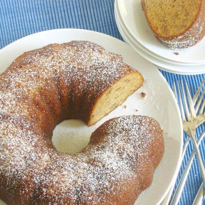 Nana's Honey Cake / JillHough.com