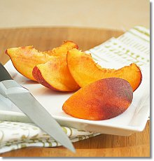 Sliced peaches / JillHough.com