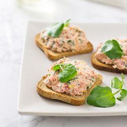 Smoked Salmon Salad on Toasts