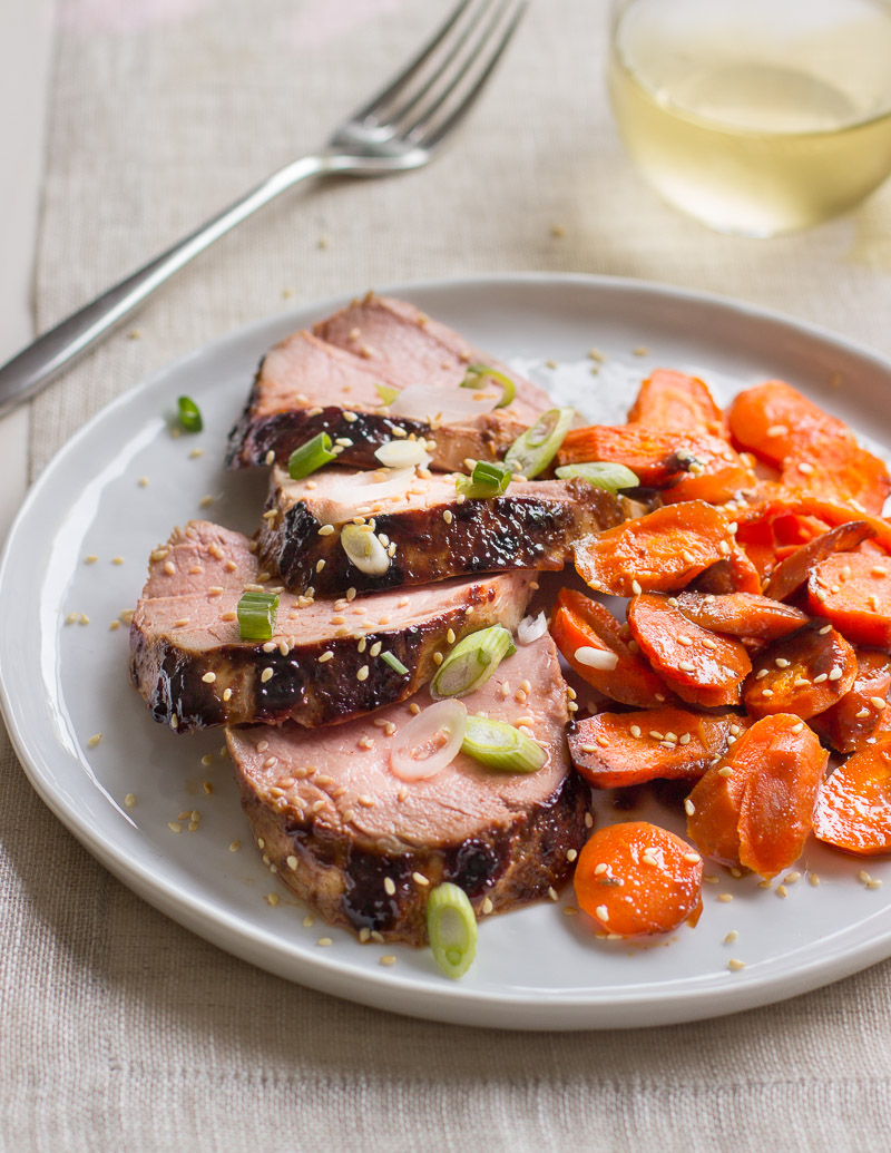 Sesame-Hoisin Pork Tenderloin and Carrots / JillHough.com