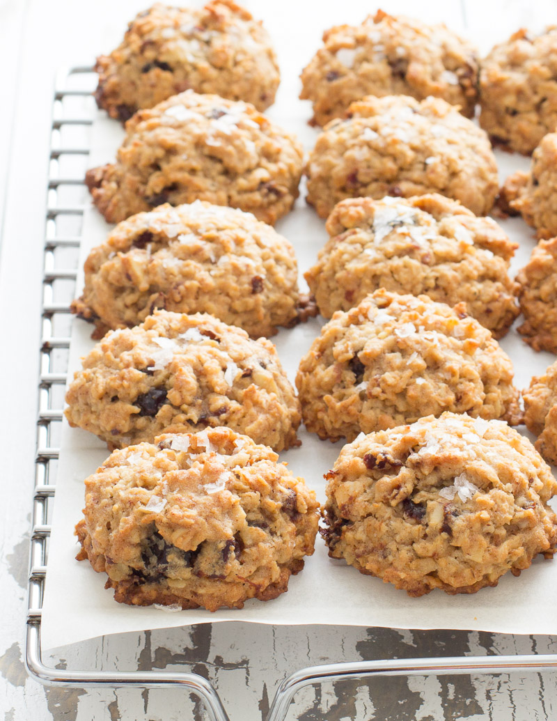 Salted Cherry Almond Oatmeal Cookies / JillHough.com