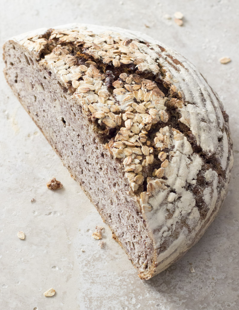 Hearty Whole Wheat Walnut Bread / JillHough.com