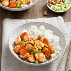 Cashew Chicken Stir-Fry / Jillhough.com Stir-fry is one of my favorite weeknight dishes because, after a little prep, dinner is on the table in a jiffy. This particular version is especially indulgent, with both cashews and coconut milk giving it a soft, silky quality that's a natural for Gewürztraminer.